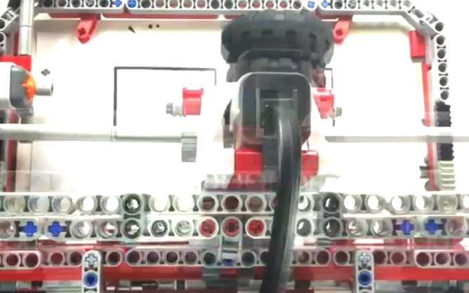 14-Jähriger baut Drucker mit Lego-Mindstorms