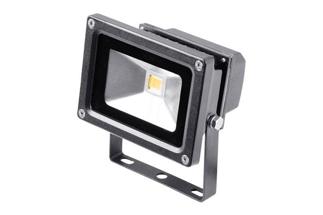 Preiswerter LED-Strahler mit 10 W