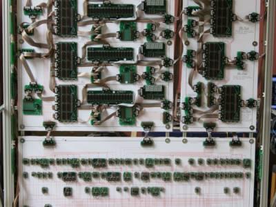 Rekord: 10m breiter 16-bit-Computer aus diskreten Bauteilen