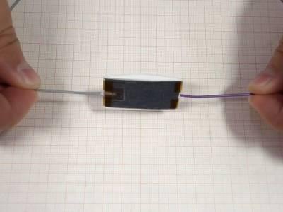 Life hacks: Energie erzeugen mit Papier, Bleistift und Teflonband