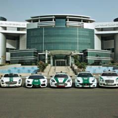 Hauptquartier der Polizei in Dubai mit imposanter Fahrzeugflotte. Bild: Dubai Police.