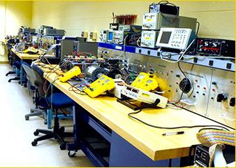 Crazy Christmas @ Elektor: Elektronik-Labor-Geräte im Wert von 2.500€ gewinnen!