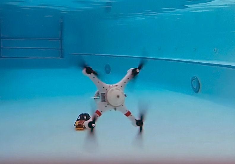 Drohne Loon Copter kann fliegen, schwimmen und tauchen