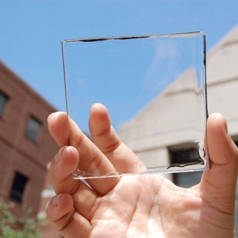 Smartphones zu Solarzellen dank transparenter Schicht