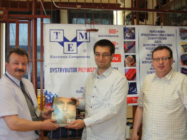 TME stattet die Schularbeitsräume mit elektronischen Bauelementen aus.