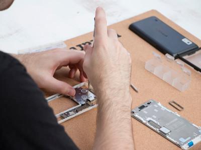 Die modulare Achitektur des Fairphone 2 gibt dem Anwender die volle Kontrolle