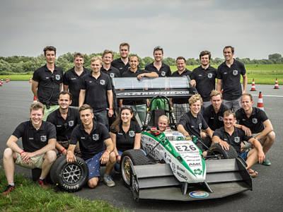 GreenTeam mit Elektroauto